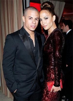 Jennifer Lopez wants kids with beau Casper Smart