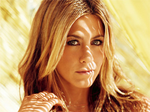 Jennifer Aniston to play stripteaser in `We`re The Millers`