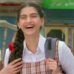 `Guddi` inspired Sonam`s school girl act in `Raanjhnaa`