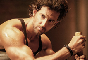 To stay fit, don`t starve yourself: Hrithik Roshan