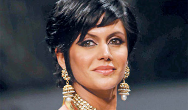 Mandira Bedi`s `Indian Idol Junior` dress code - lots of clothes!