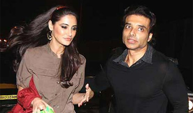 Uday Chopra pours his heart out for Nargis Fakhri via Twitter, once again!