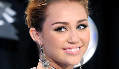 Alcohol is way more dangerous than marijuana, says Miley Cyrus