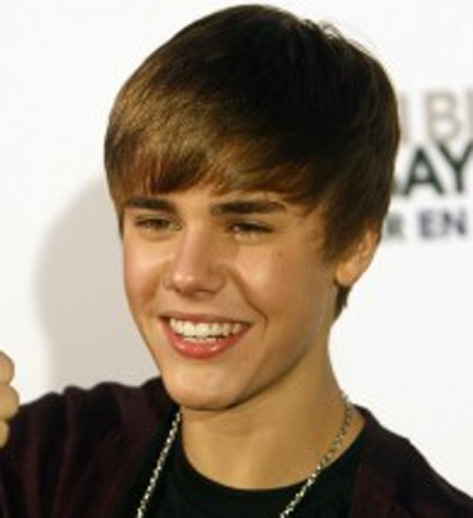 Justin Bieber & Selena Gomez — Birthday Dinner Date After Teen ...