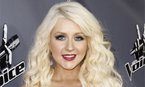 Christina Aguilera tweets about her oral sex holiday