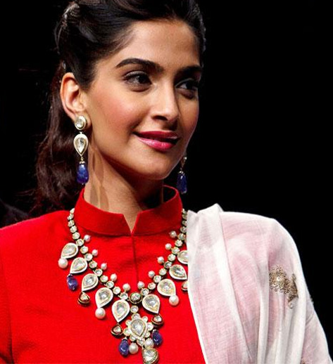 Anil Kapoor wants to direct me, says Sonam