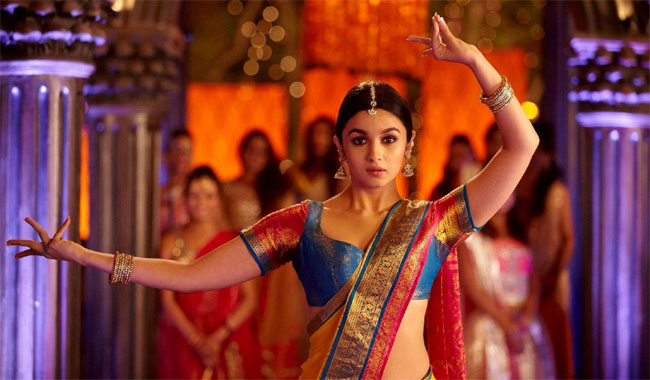 Developed mother-daughter relationship with Revathi: Alia Bhatt