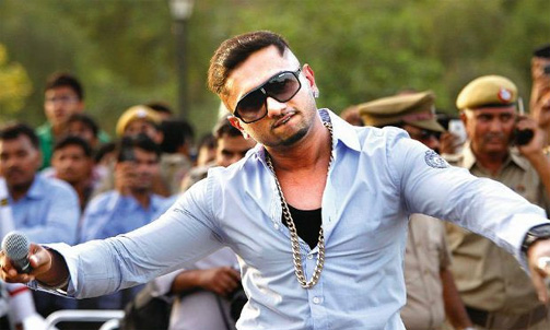 Honey Singh tries to emulate Pran in 'The Xpose'