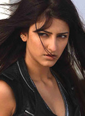 Shruti Haasan a princess in Shehla Khan`s creation